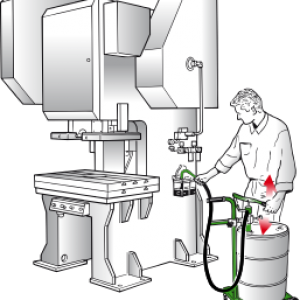 Manual-oil-pump-from-drum-into-machine